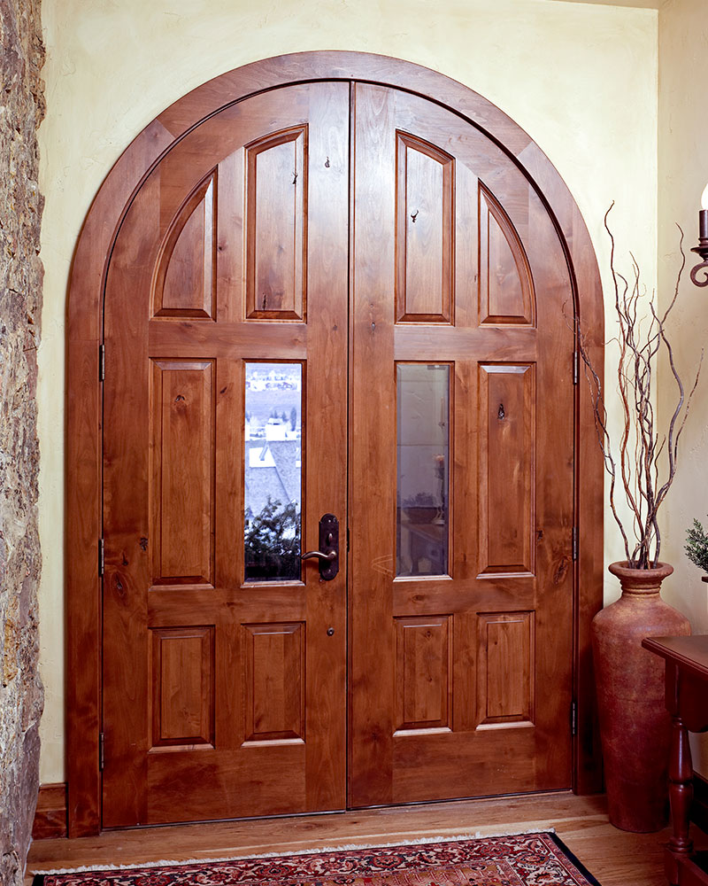 TS8010 common arch pair in knotty alder with beveled glass inserts & Arched Door Options | TruStile Doors