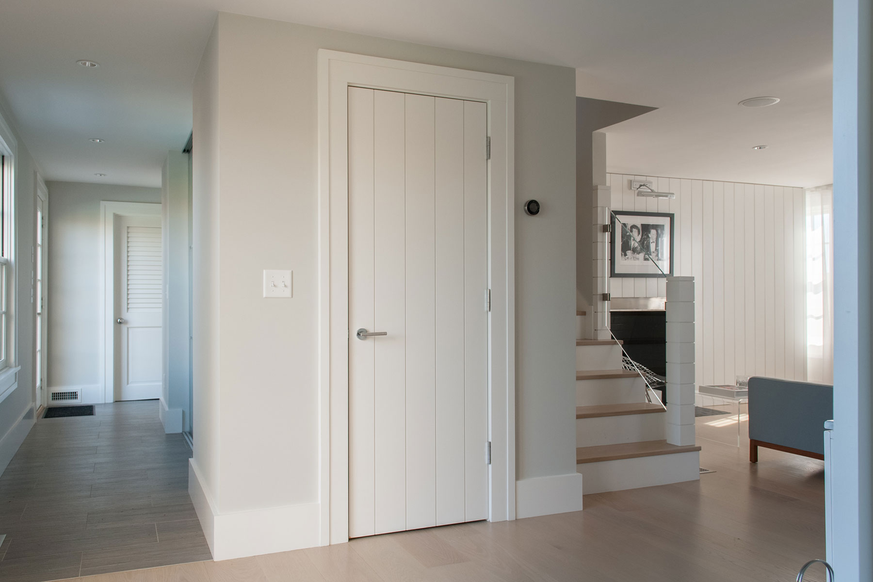 VG1000 interior door in MDF with wide planks and wide v-groove profile