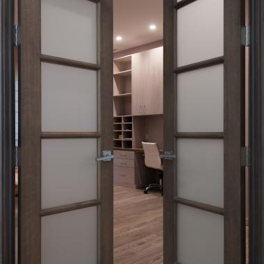 Pair of FL500 doors in white oak with Roman Ogee (OG) sticking and Frosted glass.