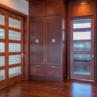 TS5000 doors in mahogany with custom glass.