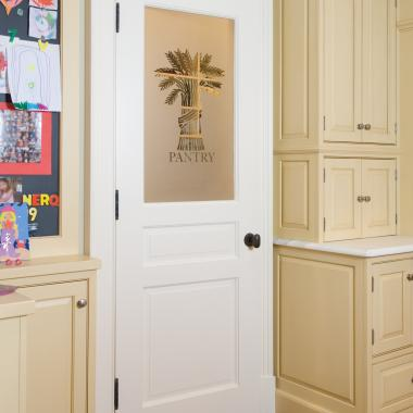 PL220 pantry door with etched glass in MDF