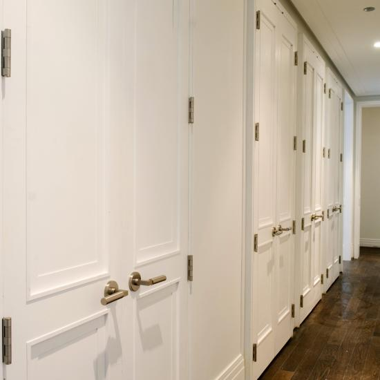 A custom profile was designed for these TS2020 doors to match the Art Deco details of this landmark building.