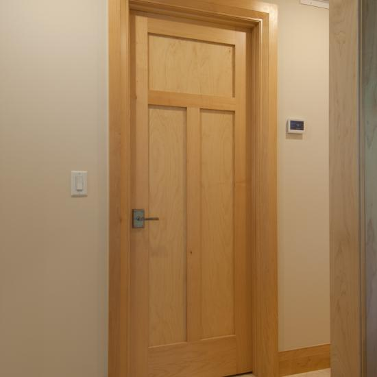 TS3240 hallway door in maple
