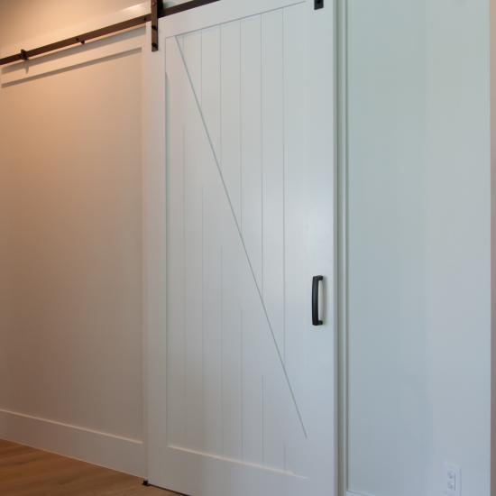 VG4050 barn door in MDF